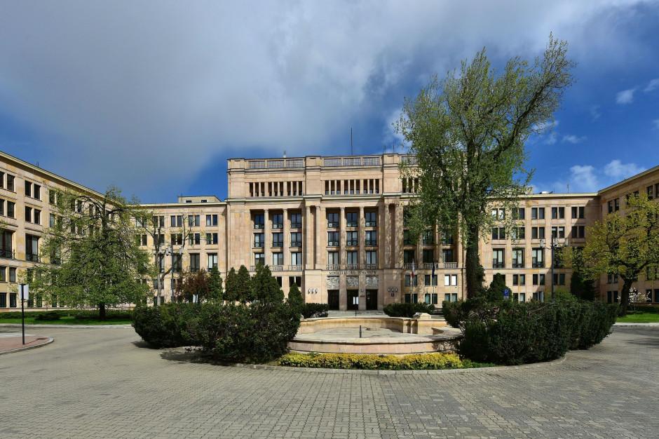 Ministerstwo Finansów sprawdza zadłużenie samorządów w parabankach