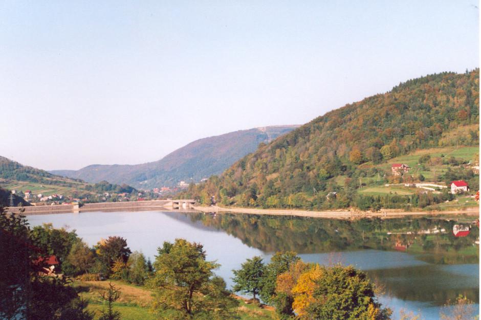 Śląskie: Jezioro Żywieckie zostanie odmulone