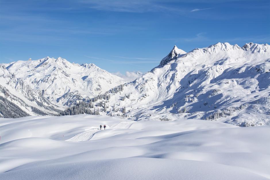 Bieszczady: Trudne warunki w górach. Silny wiatr i zamiecie śnieżne