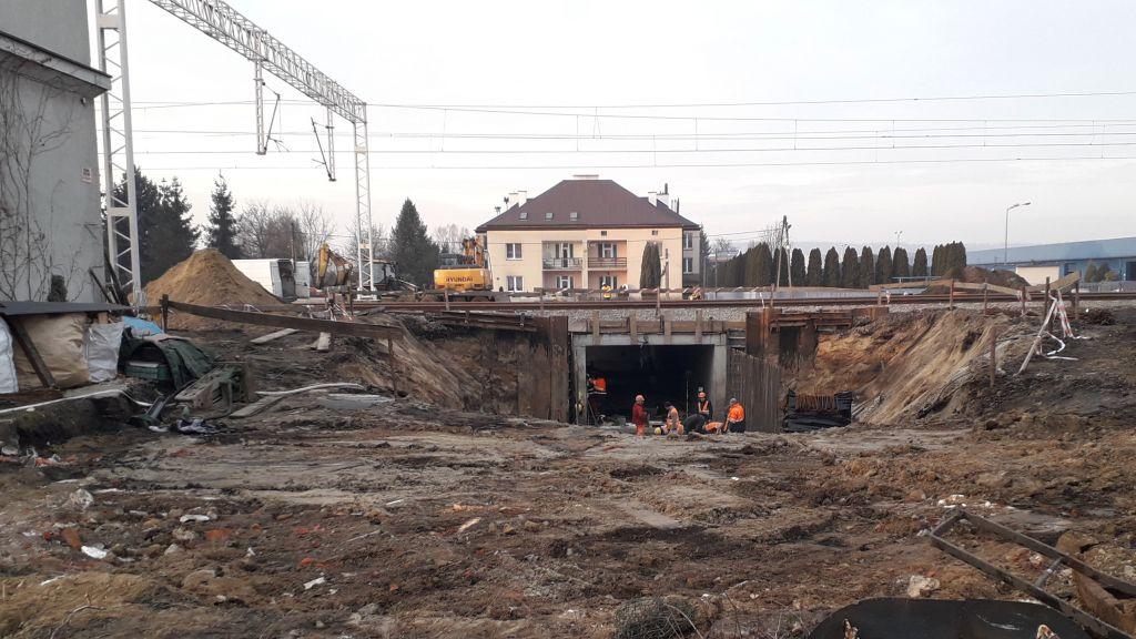 We współpracy z PKP PLK gmina buduje dwa przejścia podziemne przy dworcu kolejowym (fot. gminaskawina.pl/BB)