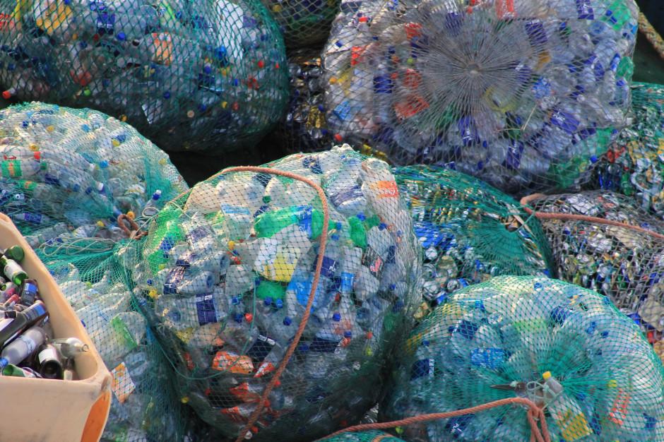 Rośnie problem z wywozem śmieci. Miasta i firmy szukają rozwiązań