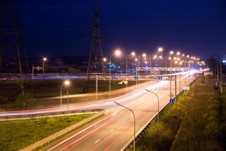 Narasta problem świetlnego smogu. Pora na działania w polskich miastach