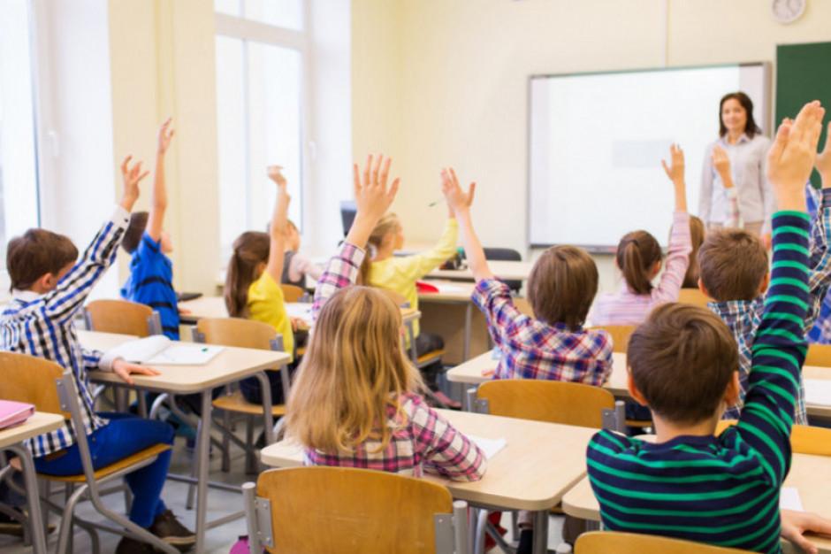 Czy pensje nauczycieli są jawne? To nie takie proste
