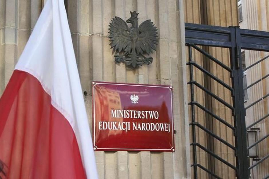 MEN: Kwestia oświaty polskiej mniejszości narodowej na Litwie celem wizyty w Wilnie