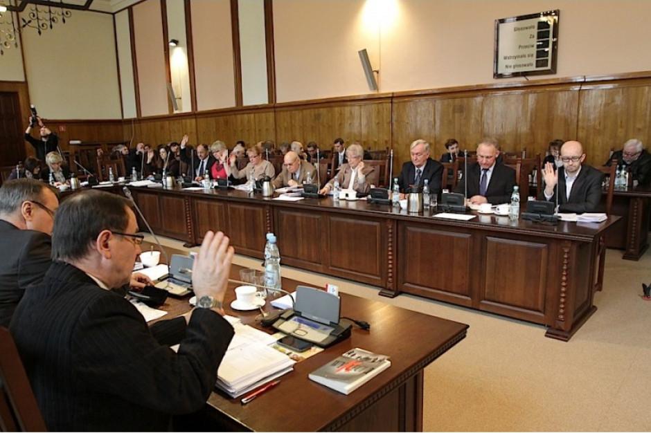 Elbląg: w czwartek nadzwyczajna sesja Rady Miasta ws. dostaw ciepła
