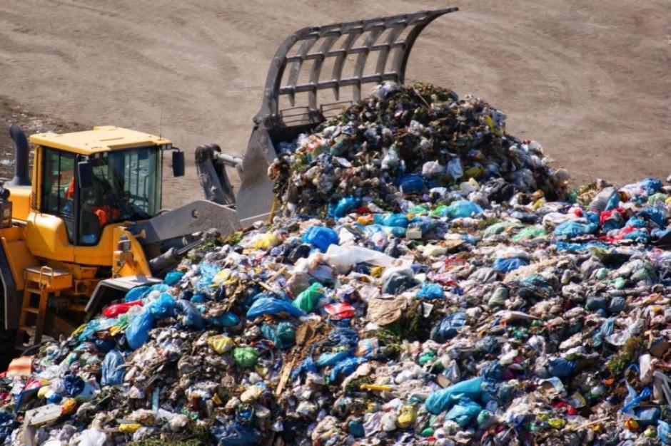 Śmieci ciągle wjeżdżają do Polski
