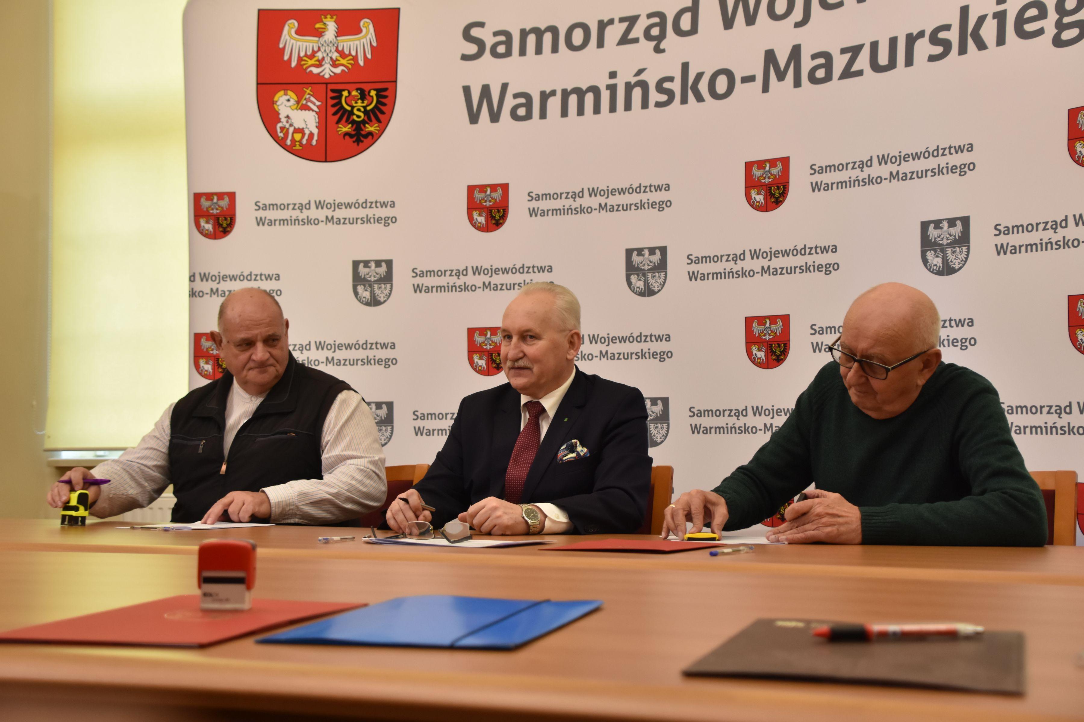Samorządy różnego szczebla powinny wspierać działalność organizacji ratownictwa wodnego - powiedział marszałek Gustaw Brzezin (fot. warmia.mazury.pl)