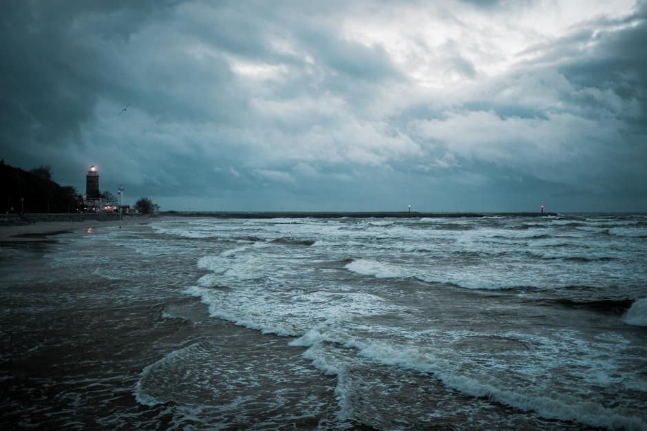 Alarm przeciwpowodziowy dla obwodów ochrony wybrzeża