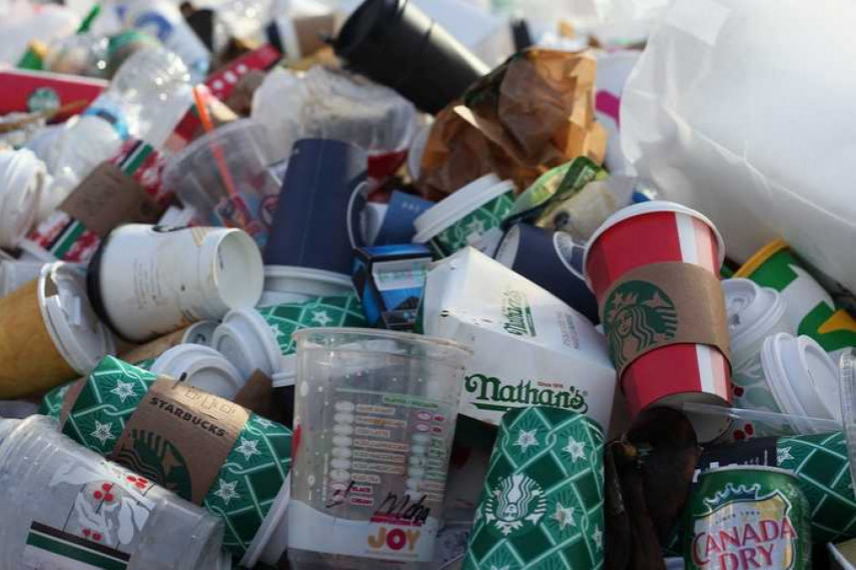 """Ministerstwo Klimatu: informacje o sprowadzaniu """"śmieci"""" do Polski są niezgodne z prawdą"""
