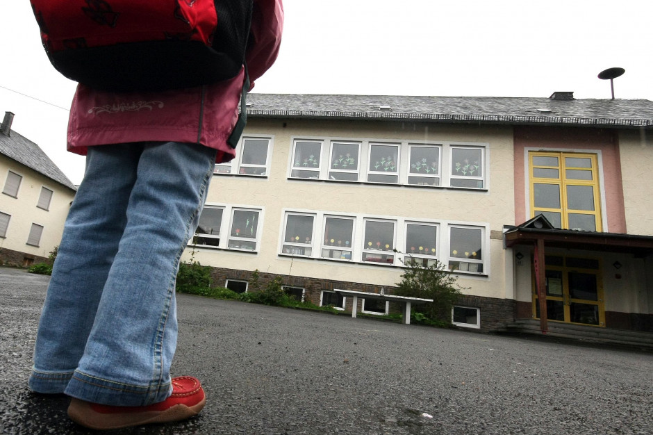 Jasienica: Nauczycielka z podejrzeniem koronawirusa. Zajęcia w szkole odwołane
