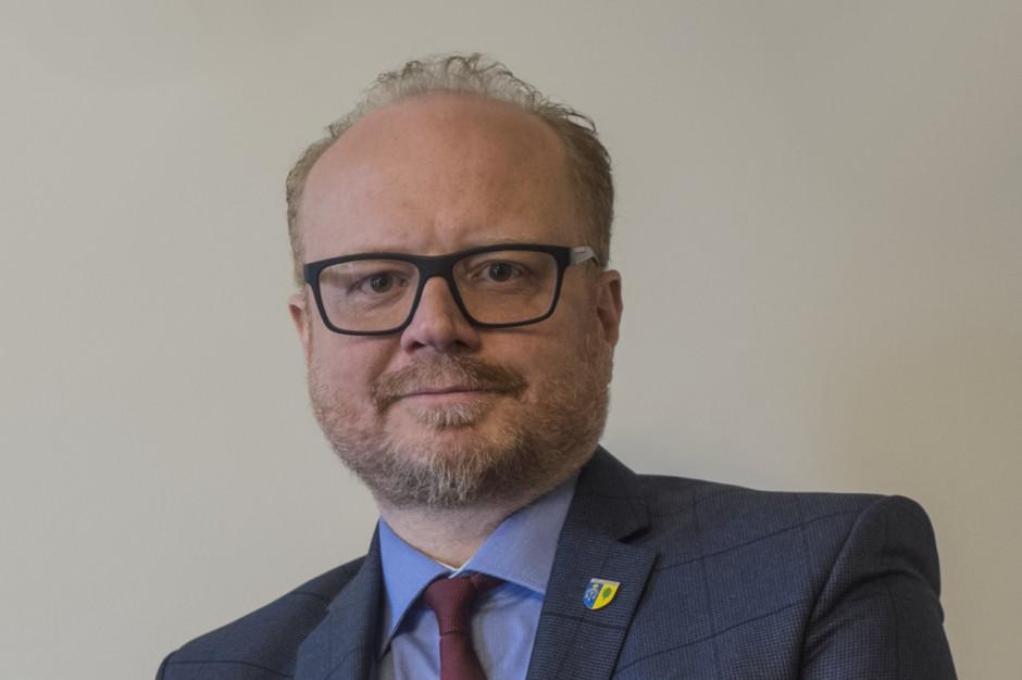 Prokuratura prowadzi dochodzenie ws. grózb wobec burmistrza Milanówka