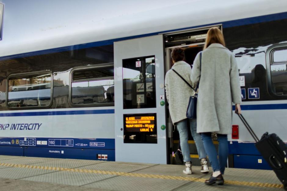 W ferie Polacy podróżowali częściej pociągami