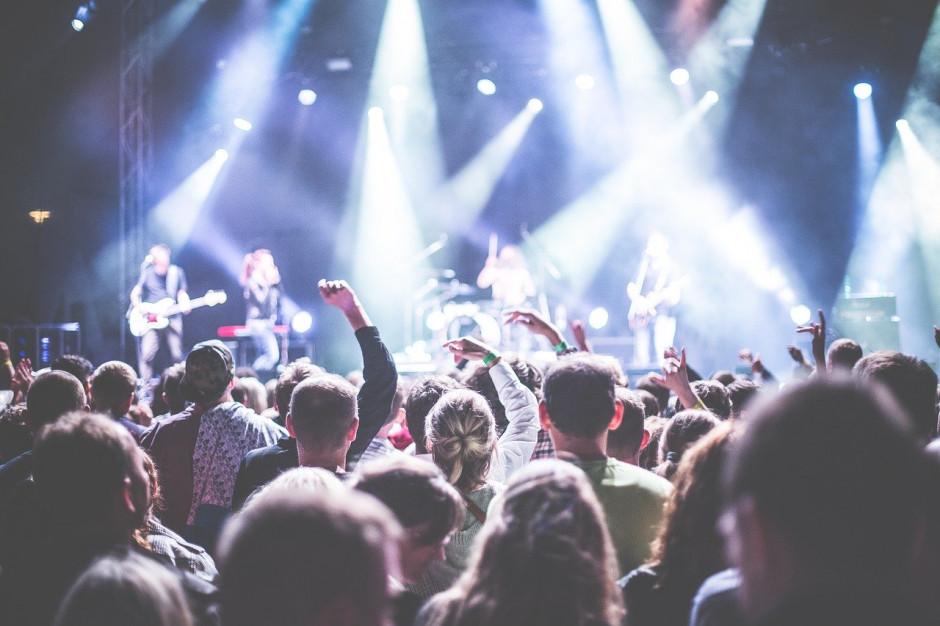 GIS rekomenduje odwołanie wszystkich imprez masowych powyżej 1000 osób