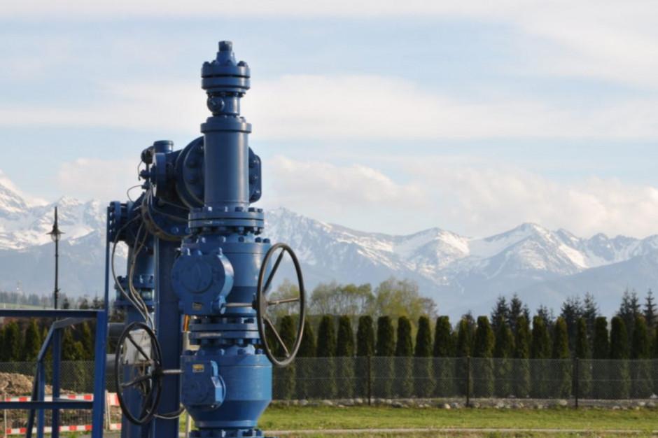 Dzięki rozbudowie sieci liczba obiektów podłączonych do sieci geotermalnej na Podhalu wzrosła do 1630 ( 1245 w Zakopanem,173 w Białym Dunajcu,149 w Szaflarach, 63 w Poroninie), z czego ponad 950 stanowią klienci indywidualni (fot. Szymon Wójtowicz/Geotermia Podhalańska)