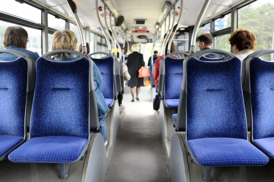 Myją i dezynfekują autobusy i tramwaje w obawie przed wirusem