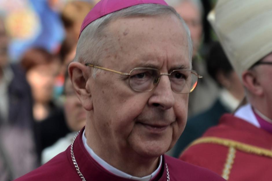 Abp Gądecki apeluje o korzystanie z dyspensy od uczestnictwa w niedzielnej mszy św.
