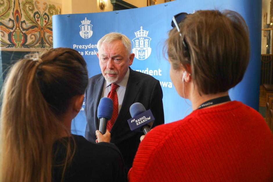 Kraków: Prezydent miasta domaga się uzupełnienia środków ochronnych w szpitalach