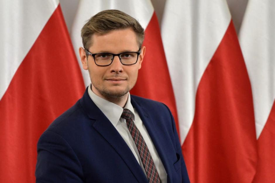 Minister Woś: wykonałem test na koronawirusa, dał wynik pozytywny