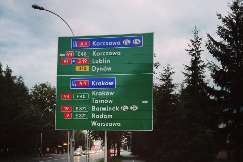 W Korczowej na wyjazd z Polski tiry czekają 23 godziny