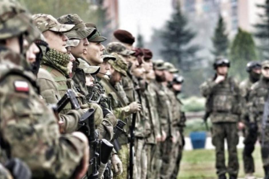 Błaszczak: Wojsko Polskie nieustannie angażuje się w walkę z koronawirusem