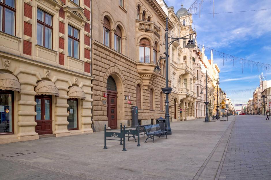 Łódź: Rozpoczęło się wiosenne sprzątanie ulic z dodatkową dezynfekcją poręczy
