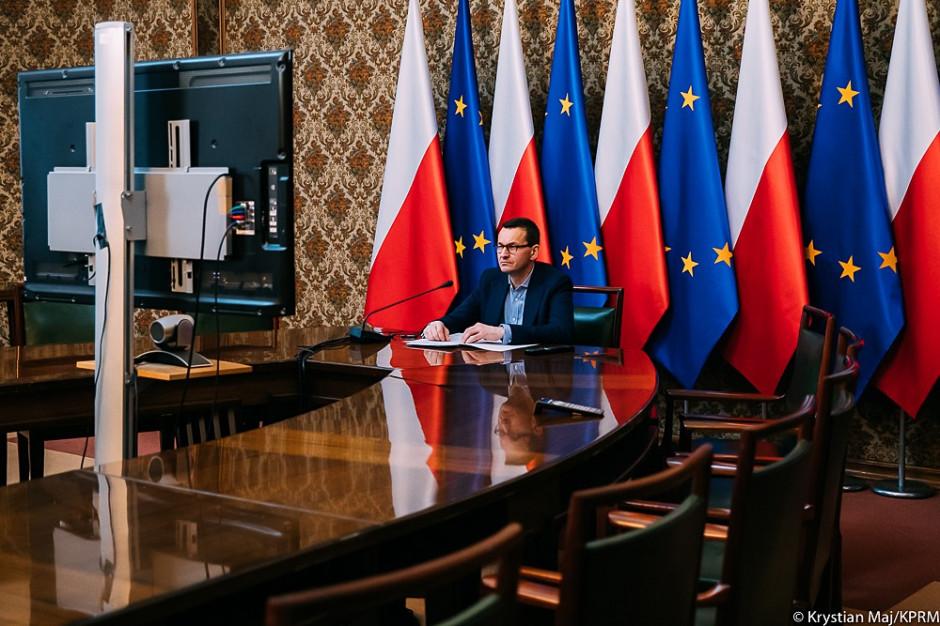 Premier zapowiada co najmniej 30 mld zł na inwestycje publiczne