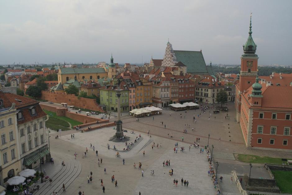 Rada Warszawy rekomenduje mieszkańcom transmisję czwartkowej sesji w internecie