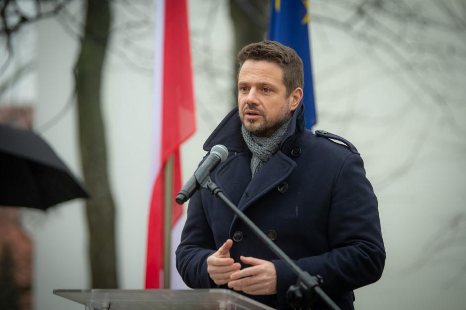 Rafał Trzaskowski apeluje o rozsądek: stan zagrożenia epidemicznego to nie jest czas na piwo albo grill