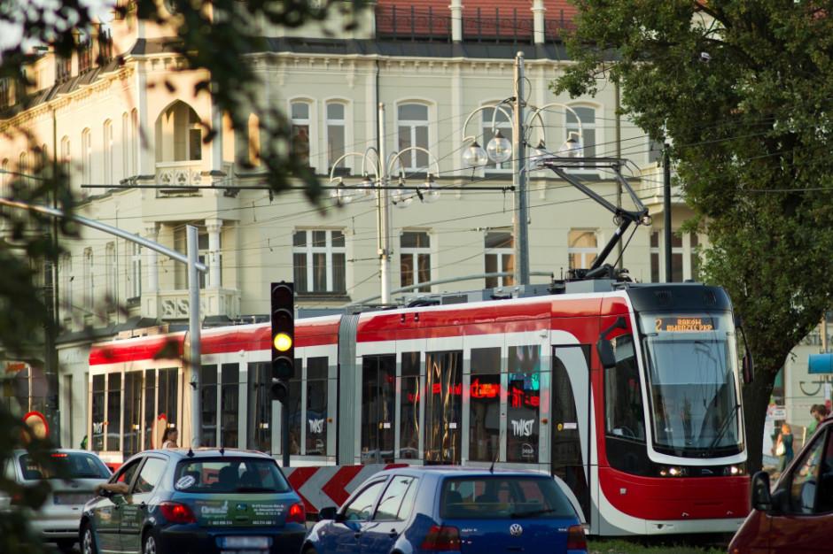 Częstochowa i Rybnik ograniczają komunikację miejską