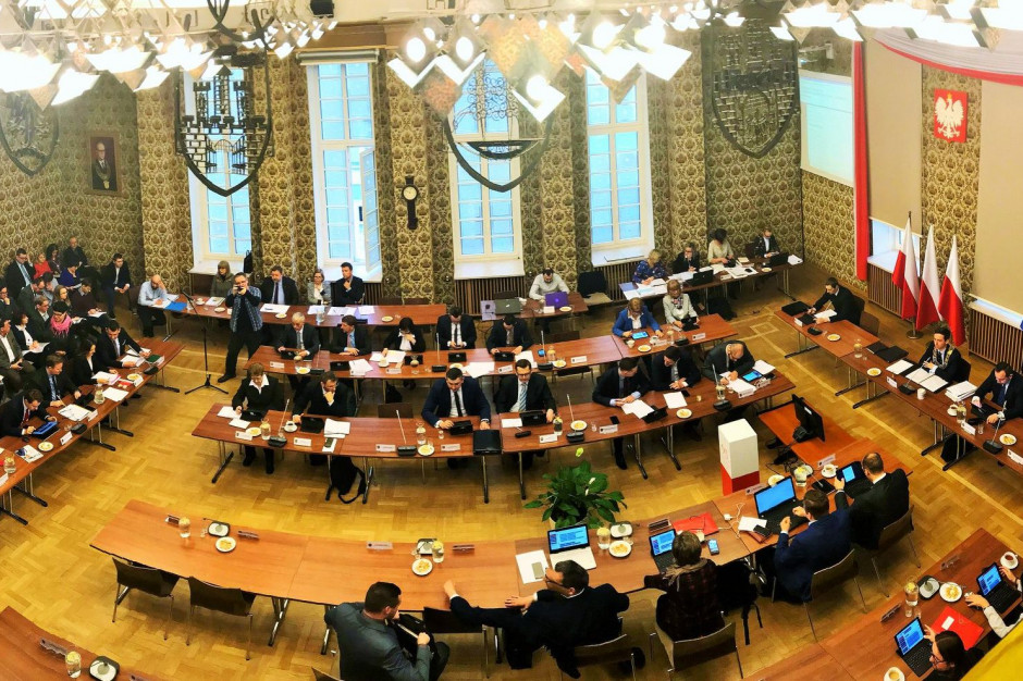 Zdalne posiedzenia rad. Związek Powiatów Polskich chce nowelizacji ustaw o samorządzie