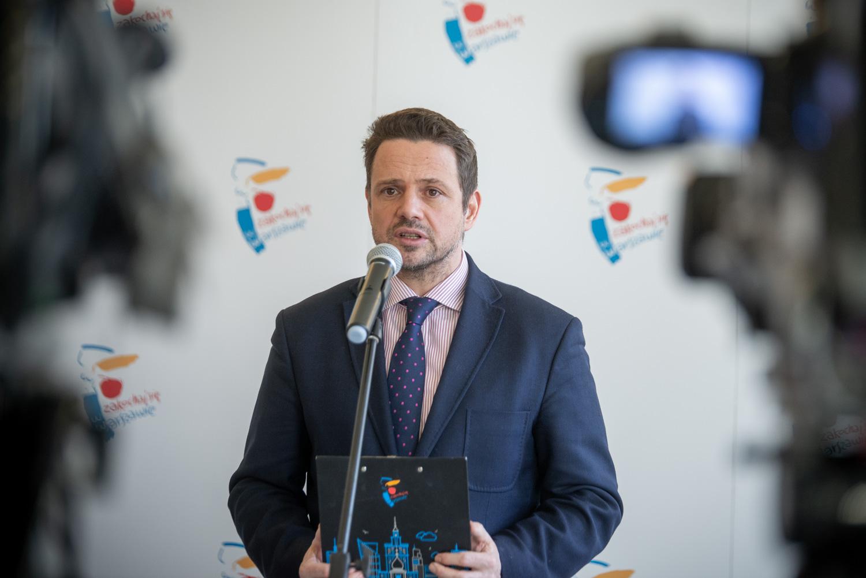 Rafał Trzaskowski, prezydent m.st. Warszawy podczas konferencji prasowej dot. działania komunikacji miejskiej (fot. UMSW)