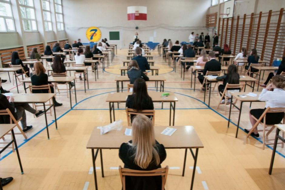 Od poniedziałku próbne egzaminy ósmoklasisty na stronach CKE i OKE