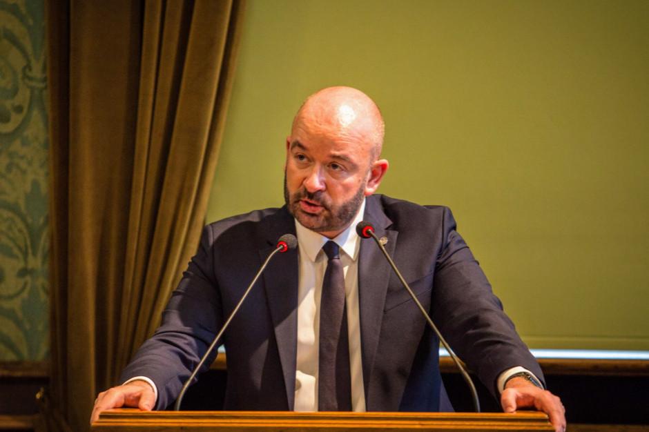 Prezydent Wrocławia Jacek Sutryk zakażony koronawirusem