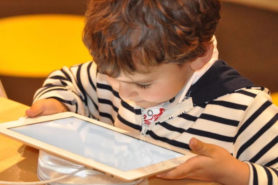 Resort cyfryzacji: dokupujemy kolejne 30 tys. tabletów dla szkół
