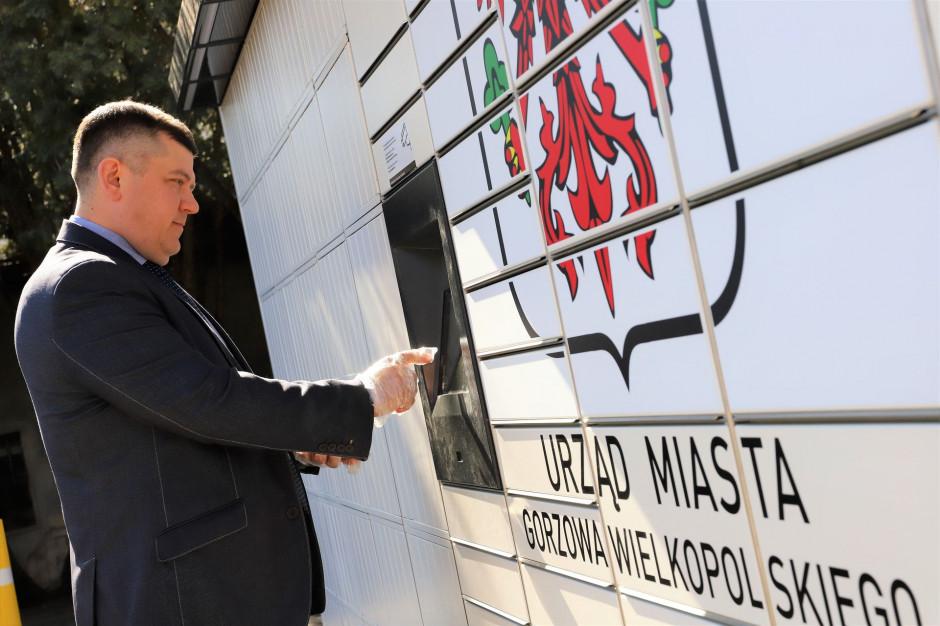 Stanął pierwszy w Polsce urzędowy paczkomat