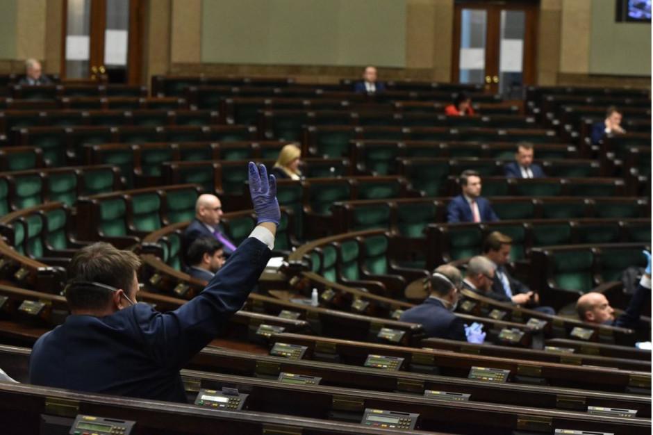Sejm wykreślił z nowelizacji tarczy artykuł dotyczący urlopu nauczycieli