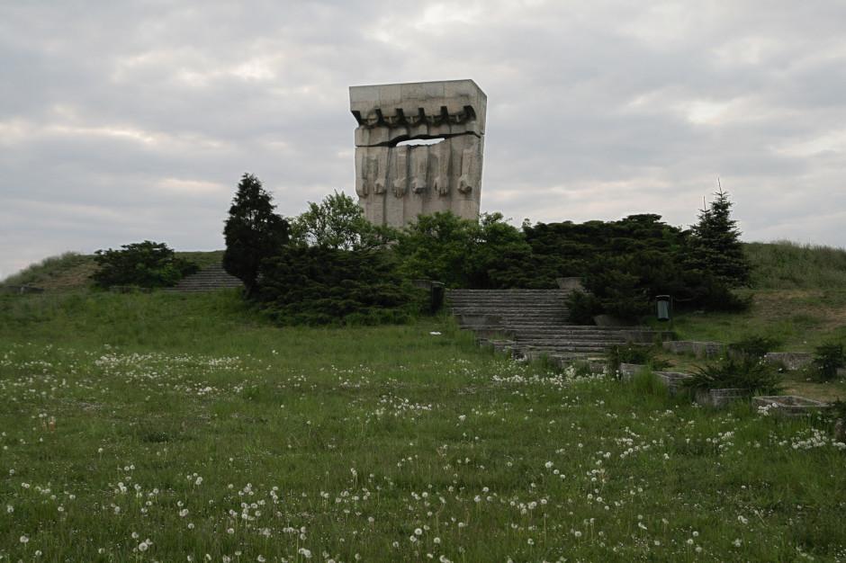 """""""Park pamięci"""" na terenie byłego KL Plaszow - tego chcą mieszkańcy Krakowa"""