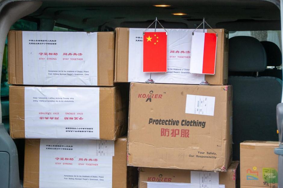 Chińskie miasto Weifang przysłało do Olsztyna kombinezony i maseczki