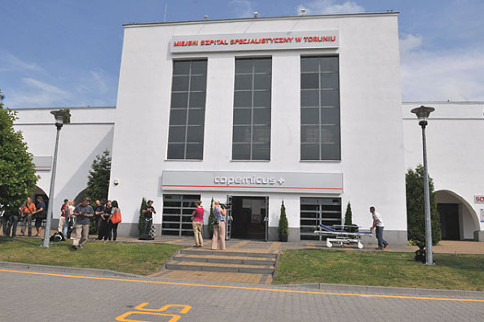 Toruń: Prokuratura bada sprawę jednego z największych ognisk koronawirusa - miejskiego szpitala