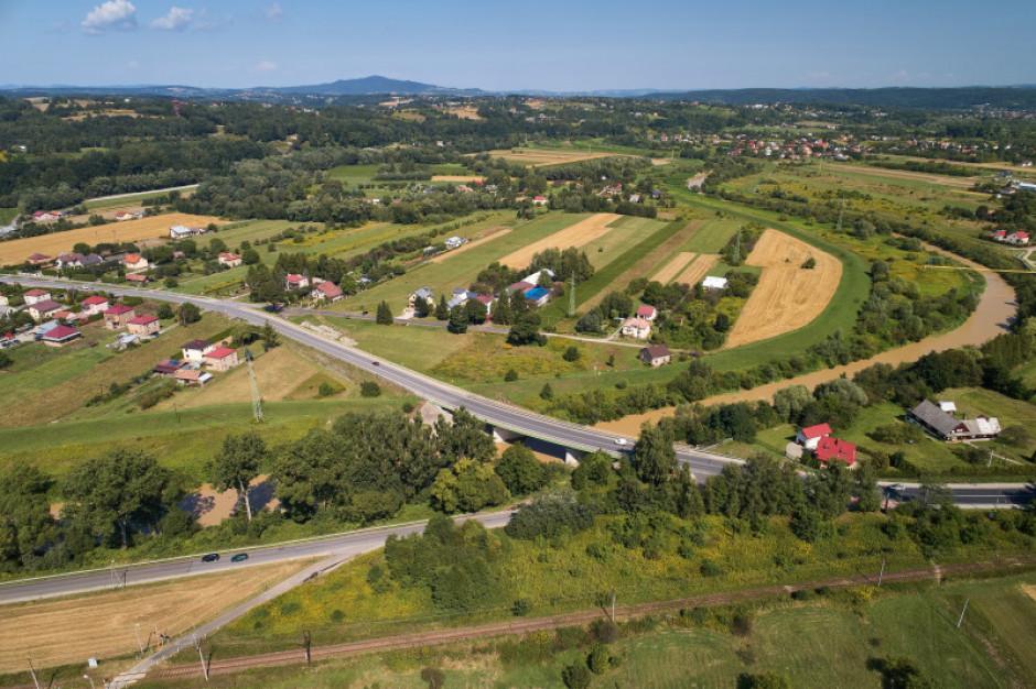 Podkarpackie: Otwarto oferty w przetargu na trzy mosty w regionie