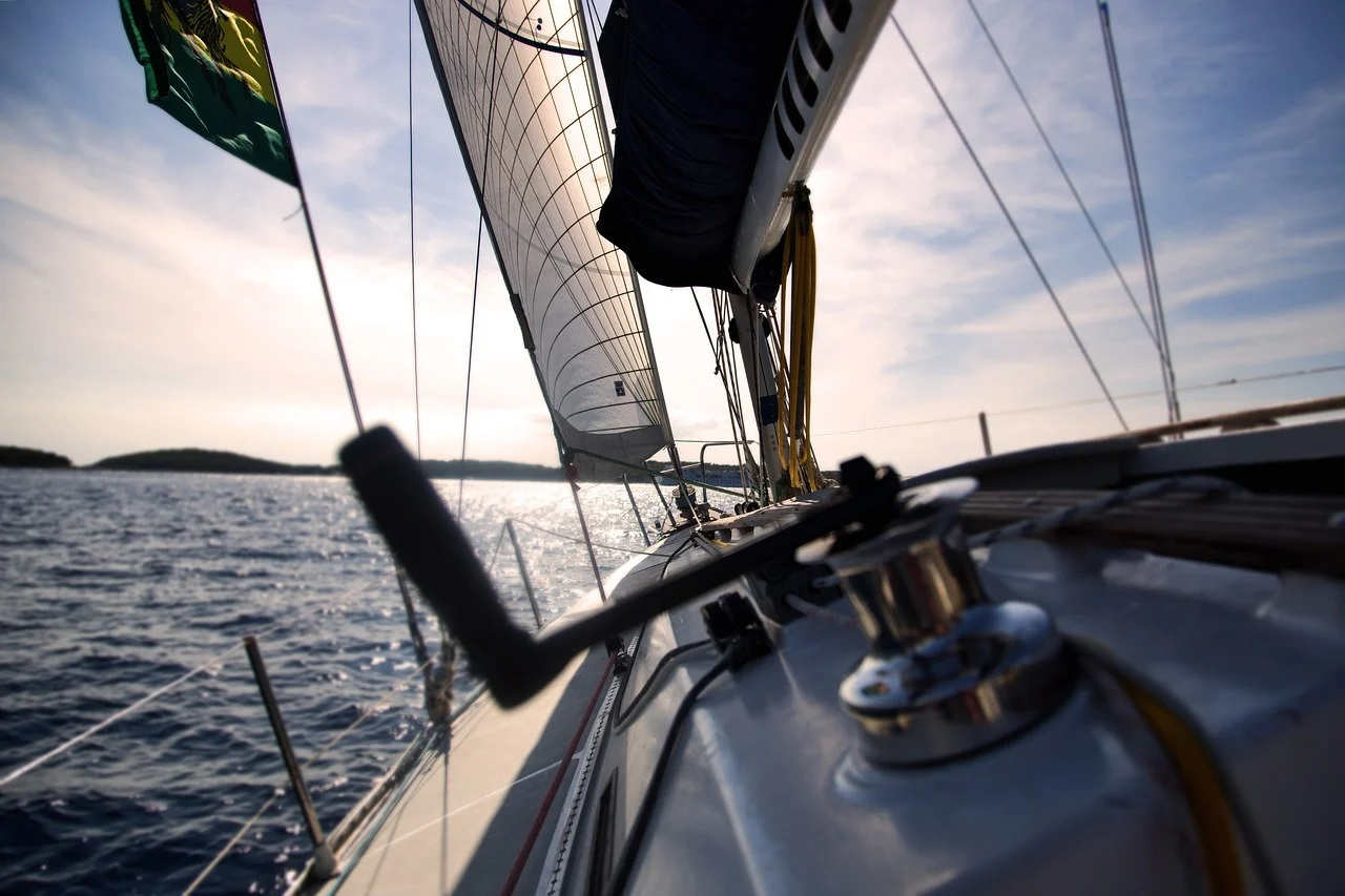 W weekend majowy żeglarze nie wypłyną w giżyckiej Ekomariny. (fot. pixabay.com)