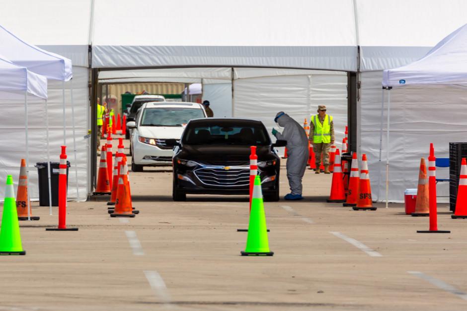 Rzecznik MZ: badania w punktach drive-thru to sposób na zwiększenie liczby testowanych osób