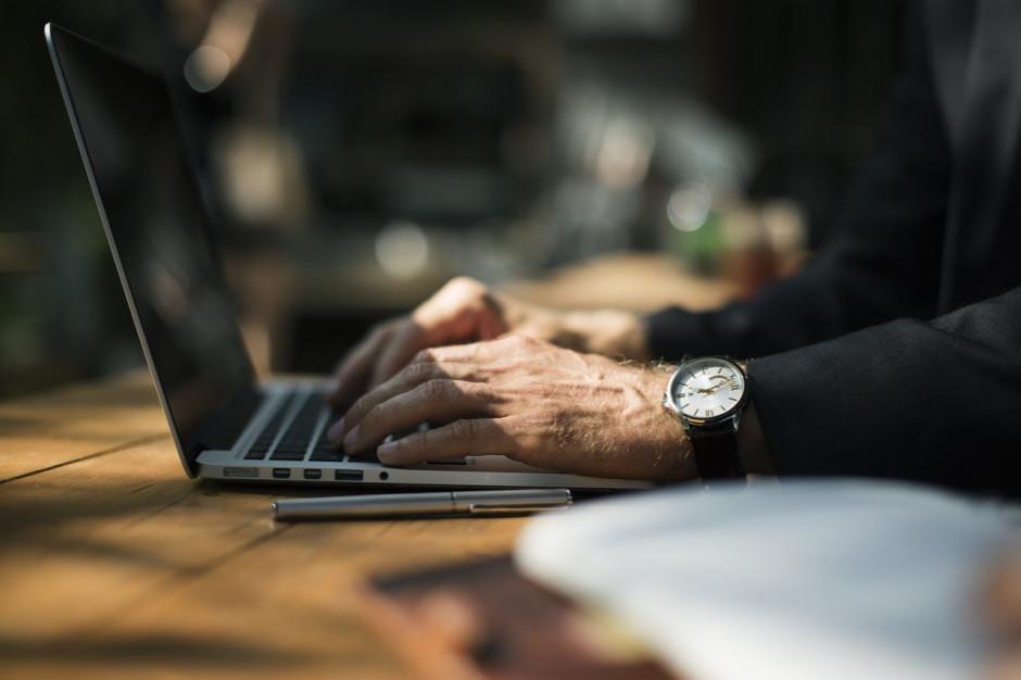 UODO: pracodawcy przy pracy zdalnej mają obowiązek przestrzegania zasad przetwarzania danych