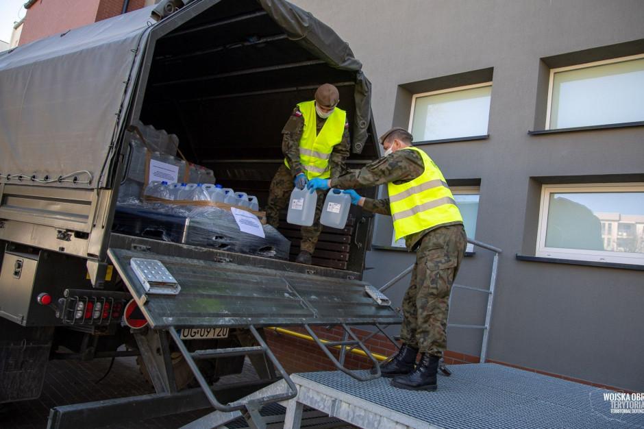 Żołnierze WOT dostarczyli płyny dezynfekcyjne do żłobków i przedszkoli