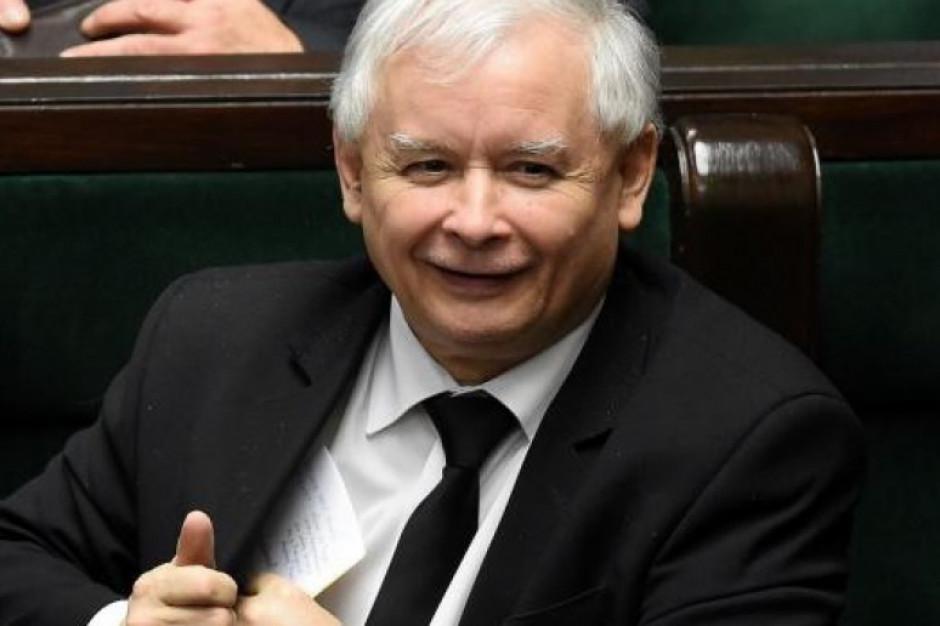 Wybory odbędą się w trybie korespondencyjnym - jest oświadczenie Jarosława Kaczyńskiego i Jarosława Gowina