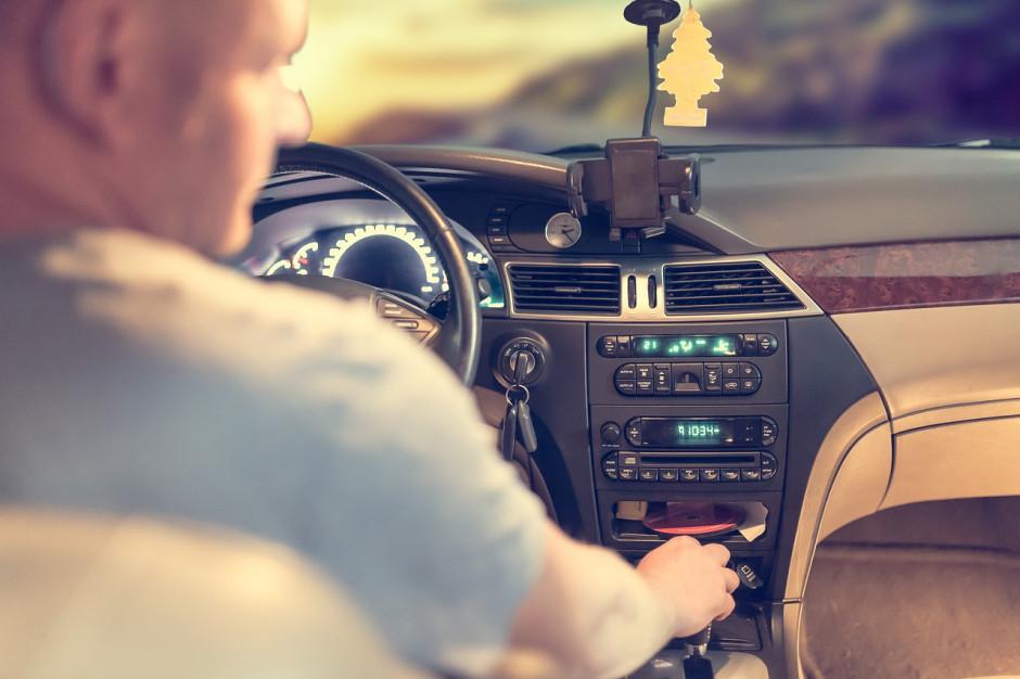 Starostowie pytają o zakazy prowadzenia pojazdów