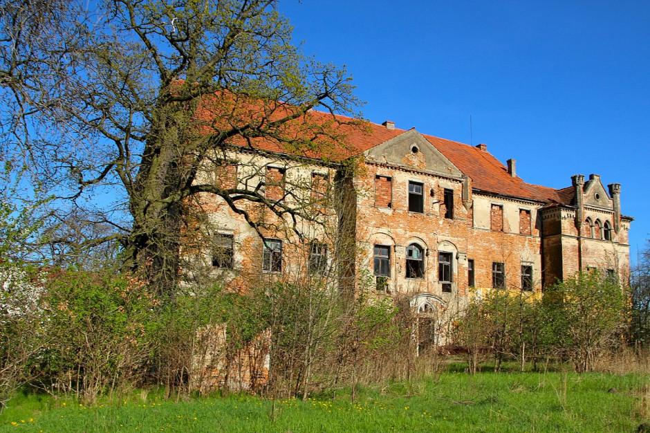 Opolskie: Gmina inwestowała w cudzy pałac; sprawa w prokuraturze
