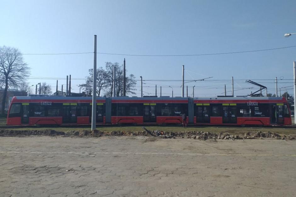 Śląskie: Częstochowa wypuszcza na tory pierwszy tramwaj z nowego zamówienia