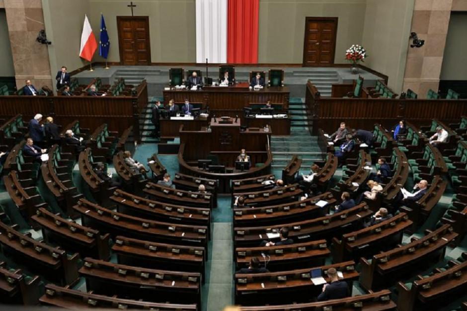 W Sejmie rozpoczęły się rozmowy polityków wszystkich klubów ws. wyborów