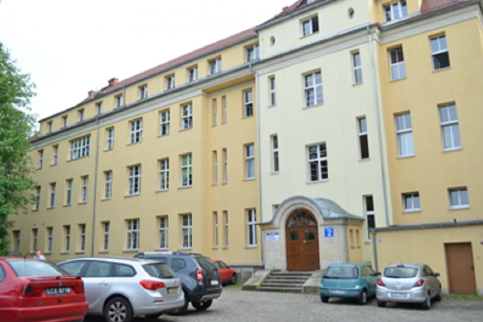 Dolnośląskie: W szpitalu w Bolesławcu od środy przeprowadzane są testy na obecność koronawirusa